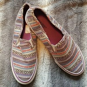 Shoes - Slip on sneakers